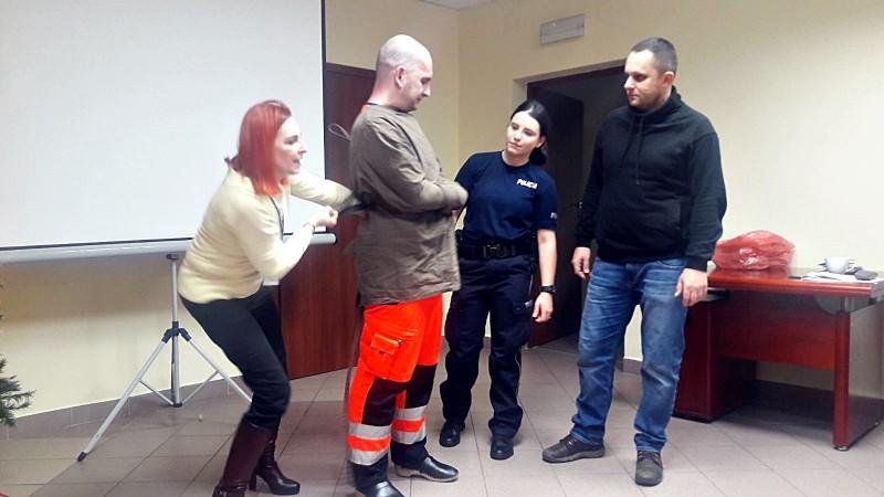 policjanci_i_pogotowie_szkolenie_1